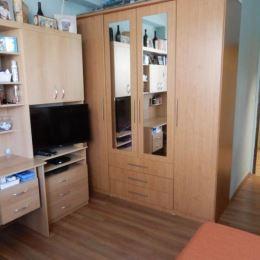 Na predaj útulnú 2-Garzónku VHODNÚ AJ NA INVESTÍCIU na ulici Vlčie Hrdlo v mestskej časti Ružinov. Byt sa nachádza na 4. poschodí z celkových 4. Byt ...