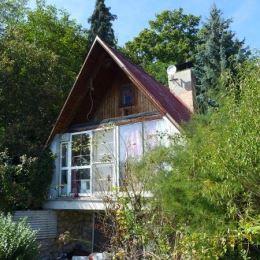 Na predaj 3-izbovú, murovanú chatu v prostrední Malých Karpát, Modra Harmónia.Chata je postavená na pozemku o rozlohe 650 m2. Pozostáva z 3 podlaží: ...