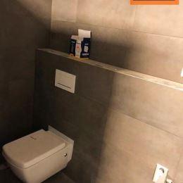 Na predaj luxusný mezonetový byt na Trhovisku,v lukratívnej oblasti - vedľa Arény MOL. S priestrannými priestormi (120 m2) a jedinečným dizajnom je ...