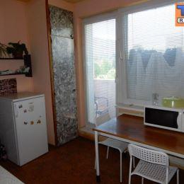 Tureality ponúka na predaj krásny veľkometrážny 2 izbový byt s balkónom z kuchyne na Čajkovského ulici v Nitre. Byt má výmeru 65 m2 + pivnica, ...