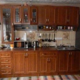 Na predaj rodinný dom s veľkým potenciálom v Hornej Maríkovej vhodný na celoročné bývanie pre toho, kto uprednostňuje bývanie v tichom prostredí, ale ...