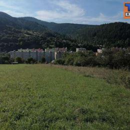 Na predaj slnečný pozemok pod lesom v blízkosti centra mesta Krompachy o celkovej rozlohe 1439 m2. Pozemok je vhodný na rekreačné účely - ...