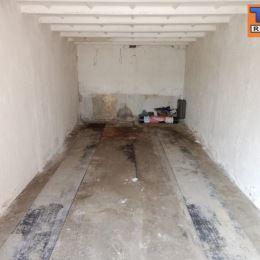 Tureality ponúka EXKLUZÍVNE na predaj murovanú garáž v Žiline, časť Hliny o výmere 19m2. Je v radovej zástavbe so spevnenou prístupovou cestou. Garáž ...