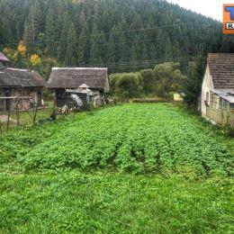 Na predaj slnečný, rovinatý pozemok s celkovou rozlohou 1317m2 v okrajovej časti Komjatná.