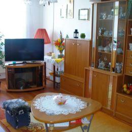 REZERVOVANÉ.Exkluzívne.Slnečný byt 3+1 s loggiou v tesnej blízkosti centra Krompách o celkovej rozlohe 74 m2.