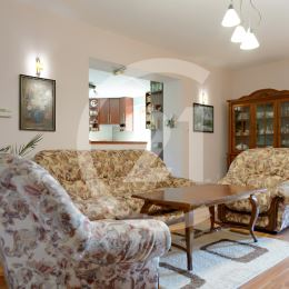 Exkluzívne v realitnej kancelárii CENTURY 21 Garant ponúkame na dlhodobý prenájom rodinný dom v pokojnej časti obce Bertotovce vzdialenej od ...