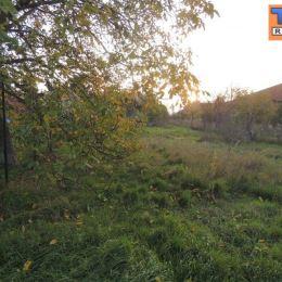 Na predaj slnečný stavebný pozemok 800 m2, Hronské Kľačany , Levice . Ponúkaný stavebný pozemok sa nachádza v zastavanej časti obce. Je rovinatý a ...