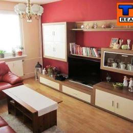 Na predaj 3 iz. byt situovaný vo výbornej lokalite Bratislava-Petržalka. Byt sa nachádza na Gessayovej ulici na 4 poschodí. Orientácia bytu je na JZ. ...