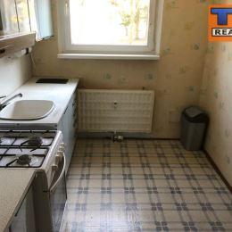 Na predaj 3+1 byt v Martine, časť Ľadoveň o výmere 68 m2. Nachádza sa v zateplenom bytovom dome, na prízemí. Orientovaný je na východnú a západnú ...