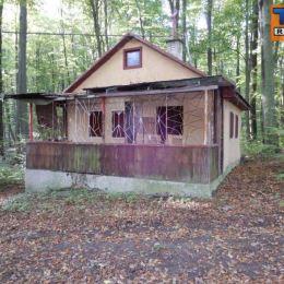 Na predaj murovanú chatku v chatovej oblasti Jahodník v tesnej blízkosti obce Smolenice a Lošonec. Chata sa nachádza priamo v lese mimo hlavnej cesty ...