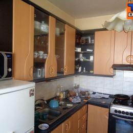 Na predaj 3- izbový byt, 68 m2, balkón, Na Lúkach, Levice. Byt sa nachádza v tehlovom bytovom dome. V byte je urobená čiastočná rekonštrukcia: ...