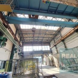Ponúkame na predaj výrobno - skladový areál nachádzajúci sa v meste Martin. Areál pozostáva z dvoch veľkých výrobných hál, 10. poschodovej ...