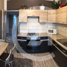 EMÍLIA STASOVÁ a CENTURY 21 Vám ponúka krásny 2-izbový byt komplet zrekonštruovaný a krásne zariadený na sídlisku Západ v Levoči s balkónom na 2. ...