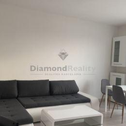 Ponúkame na prenájom v novostavbe v komplexe NOVÁ NITRA na Pivovarskej ulici dvojizbový byt s balkónom. Obytná plocha bytu je 51 m2, balkón má 4,5m2. ...