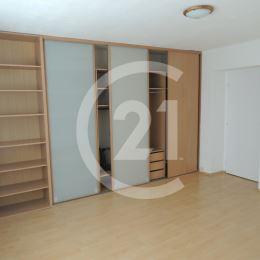 CENTURY 21 Golden Real EXKLUZÍVNE ponúka na predaj krásny byt pri Technickej univerzite, Letná ulica.Čistá podlahová plocha bytu 46 m2 a veľmi dobrá ...