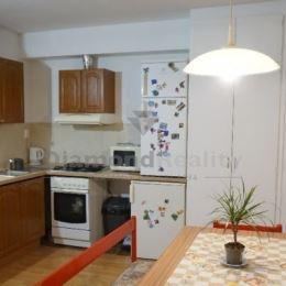 Na prenájom 3-izbový byt v tichej lokalite Starý dvor, na Gorkého ulici, Pezinok. Rozloha bytu je 60 m2 + murovaná pivnica 3 m2, balkón. Možnosť ...