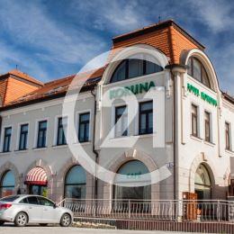 Na predaj ***Hotel Koruna priamo v centre mesta Topoľčany. Hotelové zariadenie je kompletne vybavené a zabehnuté so 14 izbami s kapacitou 28 lôžok.  ...