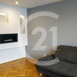 CENTURY 21 Golden Real ponúka na prenájom byt v perfektnej lokalite, na Poštovej ulici, v bezprostrednej blízkosti centra Košíc.Byt s úžitkovou ...
