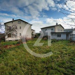 Ponúkame Vám na predaj veľmi dobre dispozične riešený veľký rodinný dom.Dvojpodlažný RD s dvoma balkónmi ponúka 6 nepriechodných svetlých izieb, dve ...