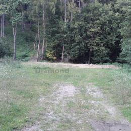 Na predaj krásny rovinatý pozemok pod lesom v tichom prostredí prírody v obci Zlatá Idka, vzdialenej 20 km od Košíc. Výmera pozemku je 2266 m2. ...