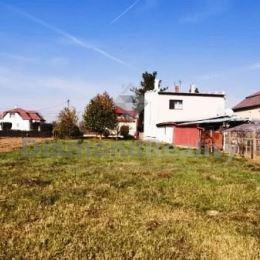 Na predaj rovinatý, stavebný pozemok, Zemplínsky Branč okres Trebišov. Pozemok má výmeru 800 m2. Pozemok sa nachádza v tichej časti obce. Šírka ...