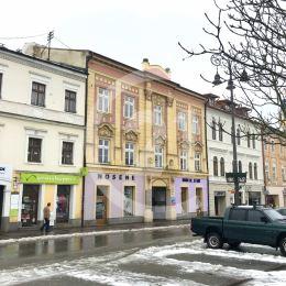 Na prenájom ponúkame nebytový priestor, ktoré sa nachádzajú na 1. poschodí historického objektu v absolútnom centre mesta Banská Bystrica na Námestí ...