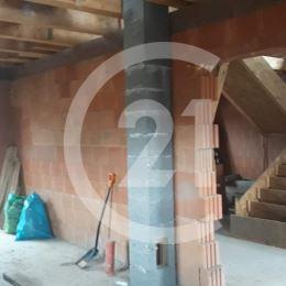 Century21 ponúka na predaj novostavbu dvojpodlažného rodinného domu v obci Malý Lapáš vzdialenej 5 km od Nitry.Tehlový dom o podlahahovej ploche ...