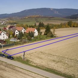 Ponúkame na predaj pozemok o výmere 1670 m2 ktorý momentálne nieje vedený ako stavebný, nakoľko v obci prebiehajú drobné pozemkové úpravy, po ktorých ...