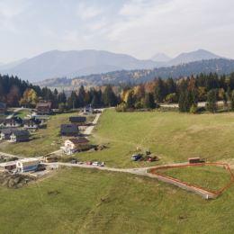 Ponúkame na predaj rekreačný stavebný pozemok v rýchlo sa rozvíjajúcom lyžiarskom stredisku Ski Kubínska hoľa. Z pozemku je jedinečný, panoramatický ...