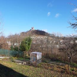 Ponúkame na predaj veľký rodinný dom v Banskej Štiavnici s nádherným výhľadom na Kalváriu. Dispozične pozostáva z prízemia na ktorom sa nachádza ...