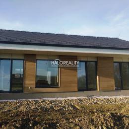 Ponúkame na predaj moderný 4-izbový rodinný dom o rozlohe 96 m² a s terasou 24 m² v novozastavanej časti obce Župčany. V dome sa nachádzajú 3 spálne, ...