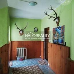 Ponúkame na predaj pekný rodinný dom v osobnom vlastníctve v meste Dobšiná. Nachádza sa v zastavanej, avšak tichej časti mesta. Celková plocha ...