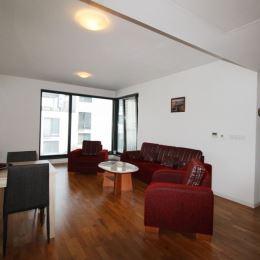 Ponúkame na prenájom zariadený a klimatizovaný 2 izbový byt v novostavbe v tichej lokalite Bratislavy, Koliba - Nové Mesto na ul. Na Varte, plnej ...
