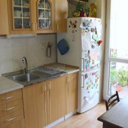 Na predaj 1.izbový byt na ulici Mraziarenská v Mestskej časti Ružinov-Nivy. Byt sa nachádza na 5. poschodí s výťahom orientovaný do vnútrobloku. Je o ...