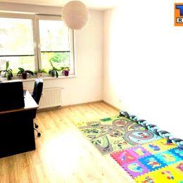 Na predaj 3.izbový byt na ulici Československých Parašutistov v mestskej časti Nové mesto. Byt sa nachádza na 4. poschodí z celkových 6. s výťahom. ...