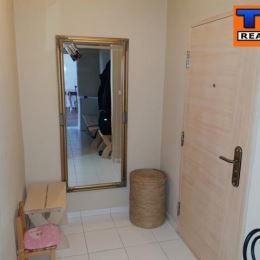 Na predaj 1.izbový byt na ulici Mierová v Mestskej časti Ružinov. Byt sa nachádza na 5. poschodí. Je o výmere 42m2. Disponuje vstupnou chodbou, ...
