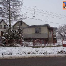 Slnečný rovinatý pozemok s výmerou 3900 m2 na pokraji obce Slanské Nové Mesto, vhodný na výstavbu rodinných domov. Pozemok sa nachádza pri asfaltovej ...