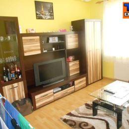 Na predaj 1-izbový byt v pôvodnom stave v P.Biskupiciach na ulici Korytnícka. Byt sa nachádza na prvom poschodí zo siedmich. Kuchyňa a izba sú ...