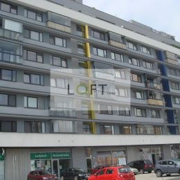 Ponúkame Vám na prenájom nadštandardný 3-iz. byt v bytovom dome Mondrian na Sedmokráskovej ul. v BA-II. m.č. Ružinov. 2 parkovacie miesta.3 izbový ...