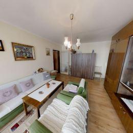 Ponúkame Vám na predaj 2 izbový byt na Starom sídlisku v Prievidzi. Byt o rozlohe 57m2 sa nachádza na 5. podlaží zo 7. panelovom bytovom dome s ...