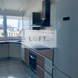 Ponúkame Vám na predaj luxusný 3 - izbový byt Bratislava-Staré Mesto, Čajkovského v tichej a lukratívnej lokalite centra mesta. Výnimočnosť bytu je ...