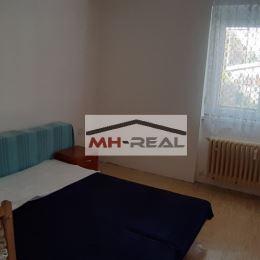 Ponúkame na predaj veľký 2 izbový tehlový byt v kúpelnom mestečku Sliač , čiastočná rekonštrukcia – vymenené plastové okná , murovaná kúpelňa , ...
