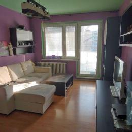 REZERVOVANÝ - Ponúkame na predaj veľký 4 izbový byt v Považskej Bystrici.