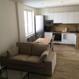 Na prenájom 3 izbový byt kompletne zariadený, Srbská, Košice - Juh. Byt sa nachádza na 2. poschodí v tehlovom bytovom dome. Výmera: 55 m2. Byt ...