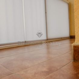 Realitná kancelária Diamond Reality Vám ponúka na dlhodobý prenájom 3 izbový byt s loggiou vo Veľkých Kapušanoch. Podlahová plocha bytu je 84,76 m2 a ...