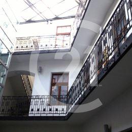REZERVOVANÉ - Prenájom exkluzívnych kancelárskych priestorov v historickej budove Porges Palota v Banskej