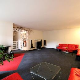 V zabývanej a pokojnej časti Bratislavy v lokalite Vrakuňa ponúkame Vám tehlový, priestranný, dvojpodlažný rodinný dom z nadštandardných materiálov ...