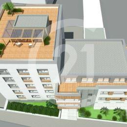 Century21 Tatry Vám ponúka na predaj krásny,priestranný apartmán v centre SNV.Apartmán o rozlohe 145,48 m2 sa nachádza na štvrtom poschodí a ...