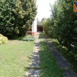 TU reality ponúka na predaj, veľmi pekný dvojgeneračný dom v obci Čachtice, v blízkosti mesta Nové mesto nad Váhom v pôvodnom stave o výmere 1460 m2. ...