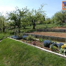 Na predaj krásny pozemok v záhradkárskej osade v obci Moravany nad Váhom časť Striebornica o výmere 394 m2. Na pozemku sa nachádza záhradná chatka. ...